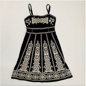 INC MACYS BLCK WHTE EMBROIDERED DRESS S PERFECT!
